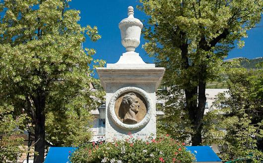 Statue dediacted to Jacques Antoine Manuel, Barcelonnette