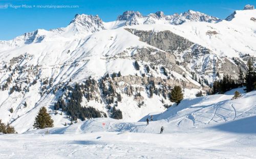 Skiers on piste, Areches-Beaufort